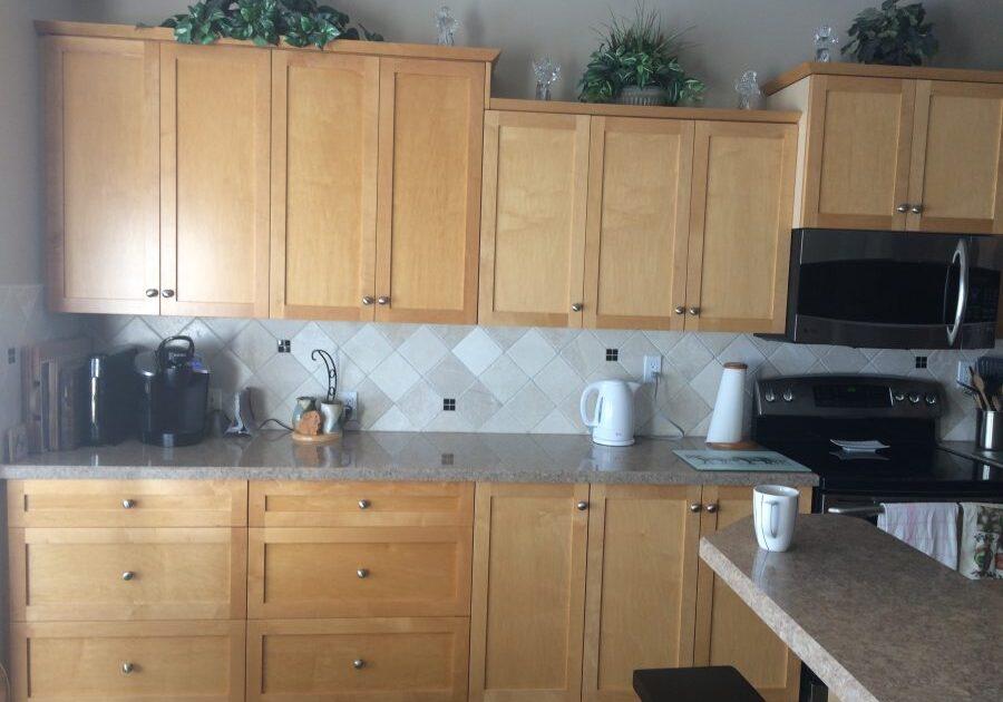 Custom Made Kitchen Cabinet,kitchen cupboard, custom kitchen, kitchen drawers, custom woodworking calgary,