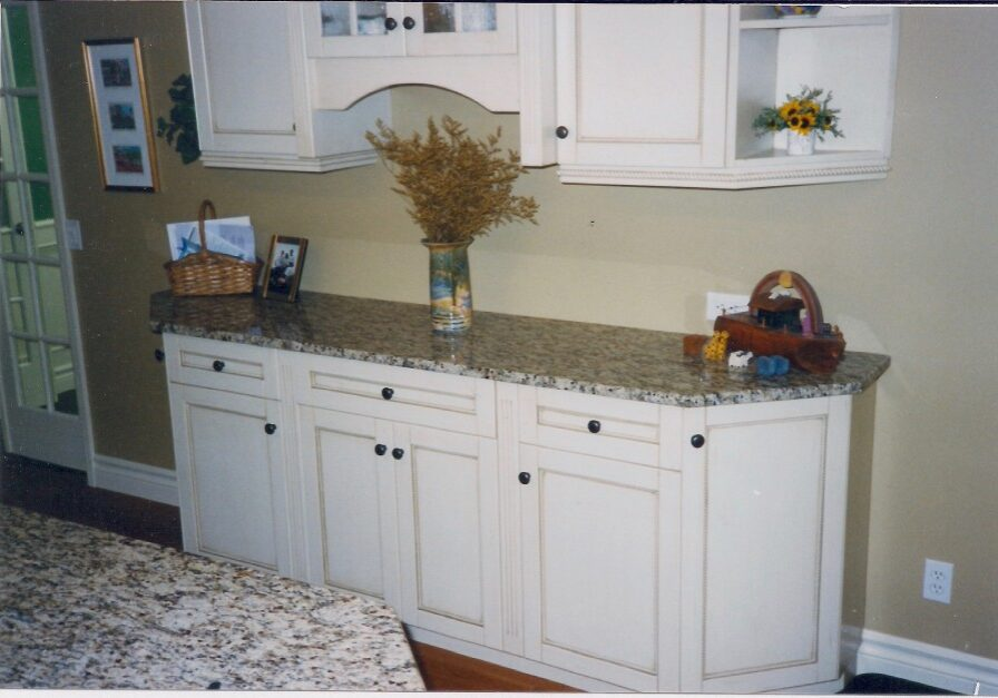 Custom Made Kitchen Cabinet,kitchen cupboard, custom kitchen, kitchen drawers, custom woodworking calgary,