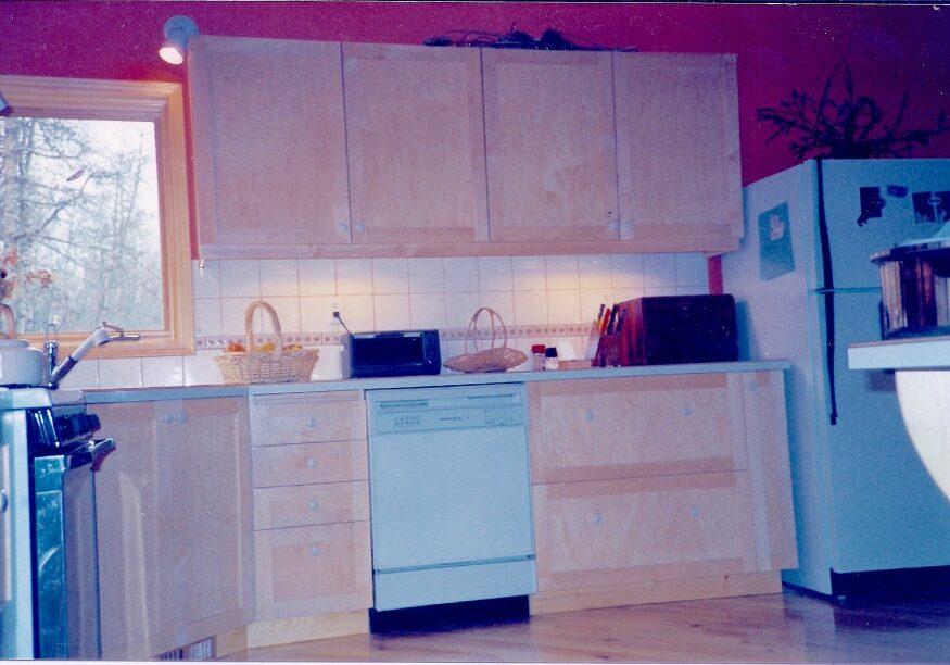 maple shaker, shaker kitchen, kitchen cupboard, custom kitchen, kitchen drawers, custom woodworking calgary,