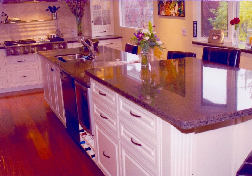 Custom Made Kitchen Island, MDF Kitchen, pantry drawers, kitchen drawers, kitchen storage, kitchen island