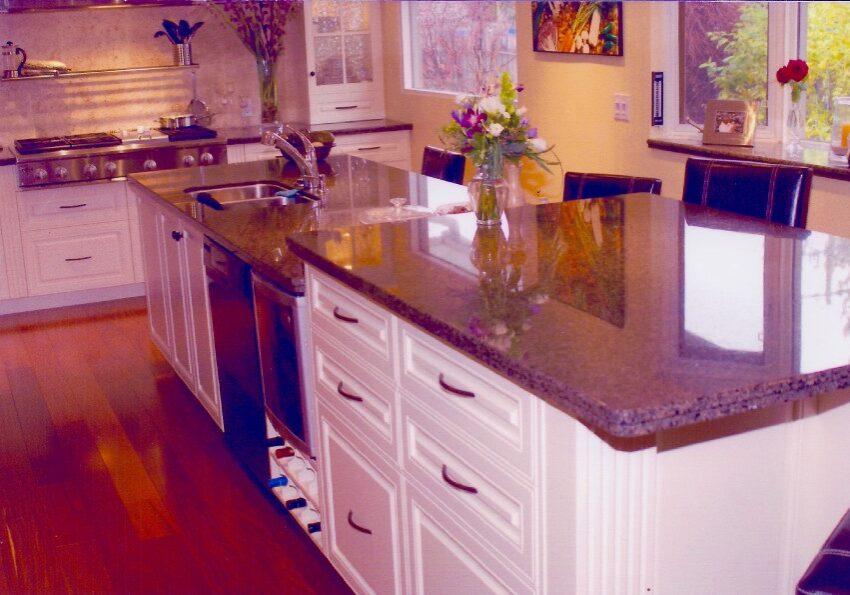 Custom Made Kitchen Island, MDF Kitchen, pantry drawers, kitchen drawers, kitchen storage, kitchen island
